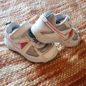 Nike dart toddler shoes 7c sneakers